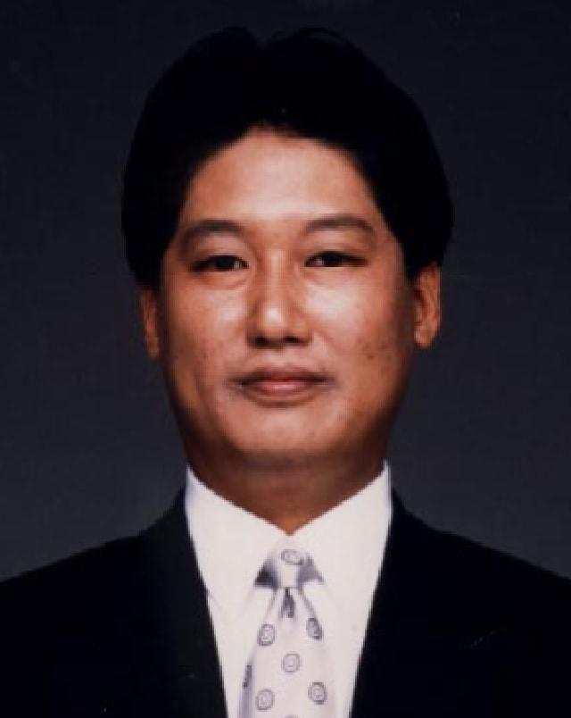 増浦 行仁